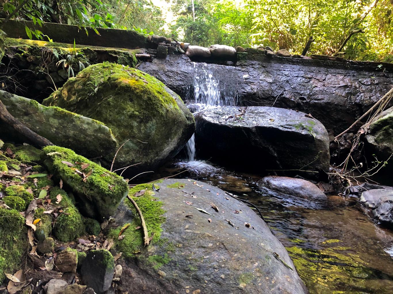 cachoeira do Engenho d´água ilhabela
